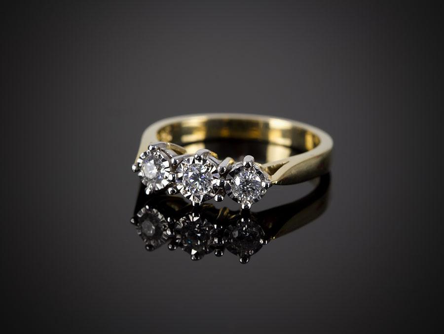 9 Carat Gold 3 Diamond Engagement Ring 0 25ct