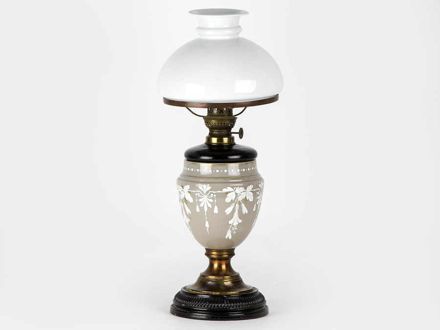 c1880 victorian opaline glass mary gregory style table oil lamp ebay. Black Bedroom Furniture Sets. Home Design Ideas